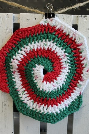 Christmas Round - Red, Green, Multi White - Washcloth